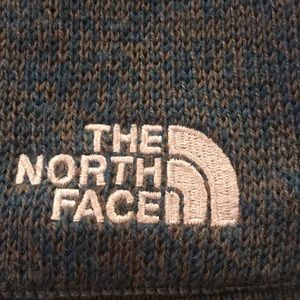 fcca8c679 Blue/green North Face skull cap hat